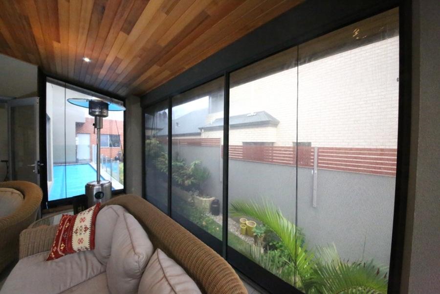 patio window enclosure